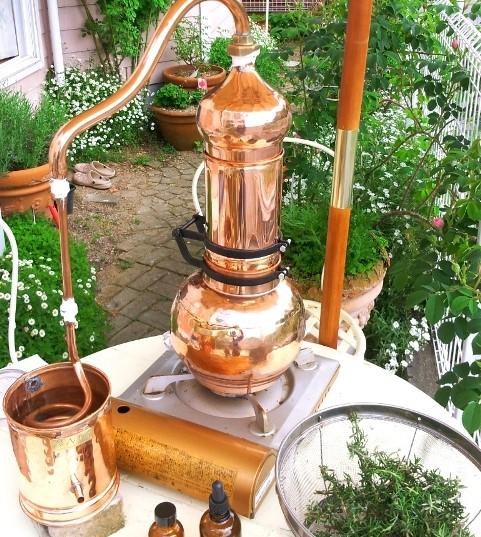アランビック,芳香蒸留器